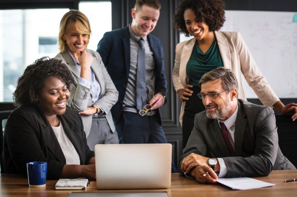 Sådan forbedrer du din virksomhed det rette værktøj til team-tidsregistrering